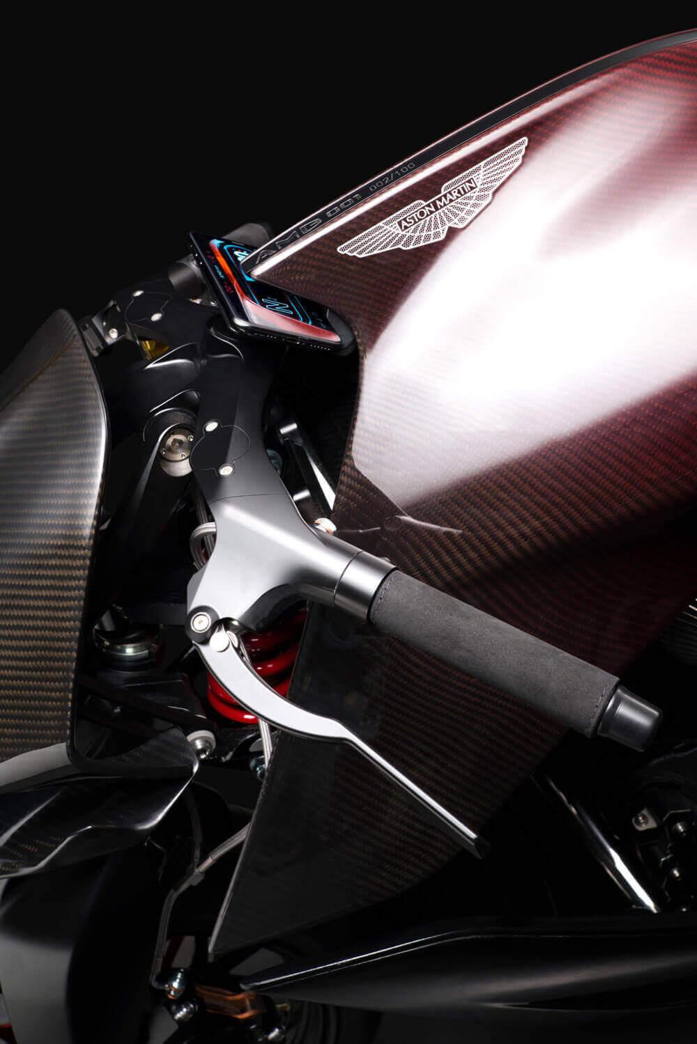 aston martin amb 001 motorsiklet hakkında bilgiler