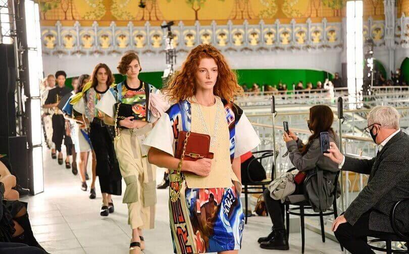 paris fashion week louis vuitton foto
